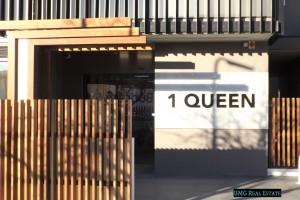 Queen 203 Pic 1